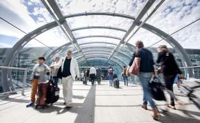 passengers-at-dublin-airport